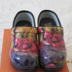 Dansko Clogs - New is being swapped online for free