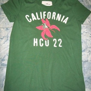 Hollister Green Top Medium is being swapped online for free