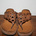 Clarks Sandals Size 8.5 is being swapped online for free