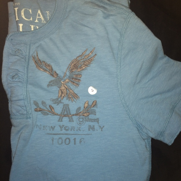 Mens American Eagle Tee is being swapped online for free