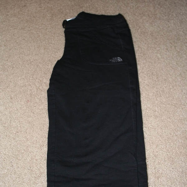 The North Face Capri Sweats Size M is being swapped online for free
