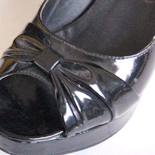 black heels size 9 is being swapped online for free