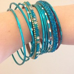 Blue jewelled bracelets is being swapped online for free