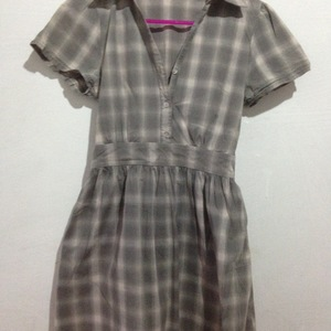 plaid dress is being swapped online for free