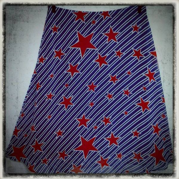 stars and stripes skirt is being swapped online for free