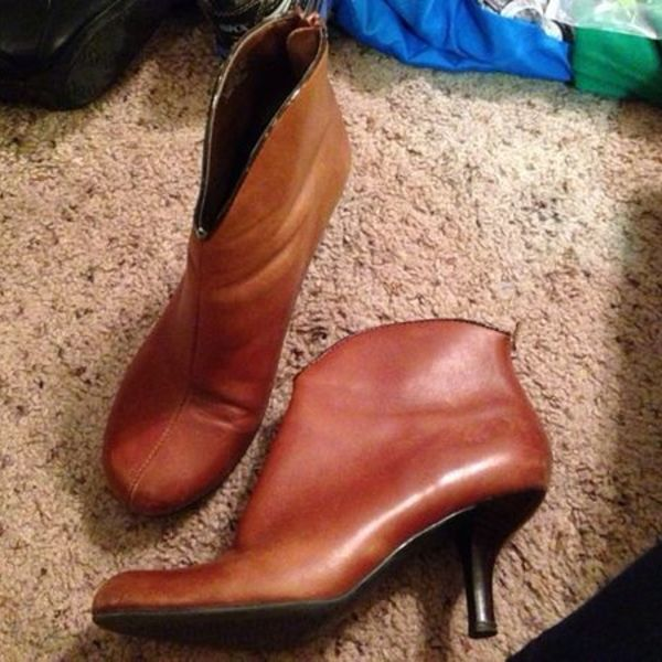 Franco Sorto Brown Bootie is being swapped online for free