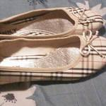 Brand new plaid style beige flats never worn size 5.5 is being swapped online for free
