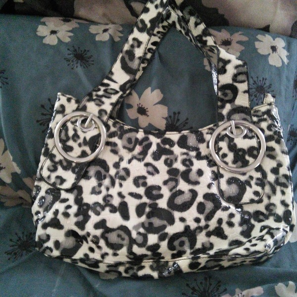 White Leopard Print Purse is being swapped online for free