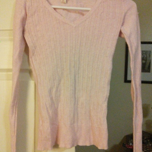 Pink Mossimo Sweater is being swapped online for free