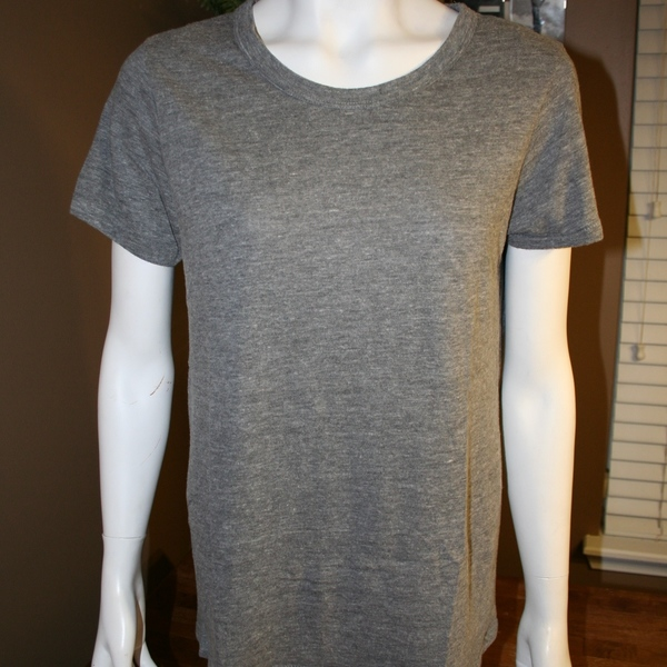 Alternative Apparel Organic Cotton Tee Size XL (More like Large) is being swapped online for free
