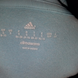 Adidas Hoodie Sz S is being swapped online for free