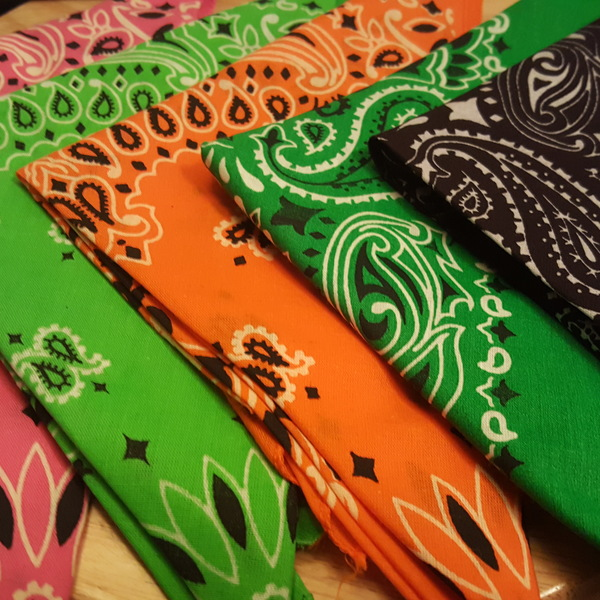 5 Brand New Bandannas  is being swapped online for free