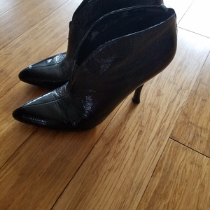 Cute half boots is being swapped online for free