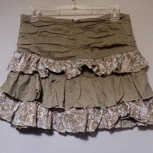 Lux Tiered Mini Skirt from Urban Outfitters Sz 5 is being swapped online for free