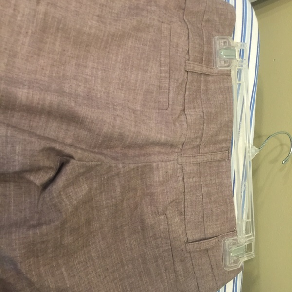 Tracy Evans light brown dress Bermuda shorts is being swapped online for free