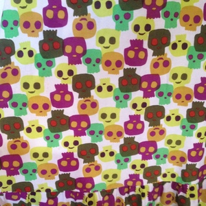 Skulls dress is being swapped online for free