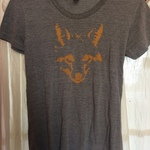 Gray tee with fox design  is being swapped online for free