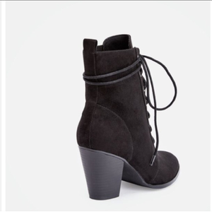 Black Heeled Booties from JustFab is being swapped online for free