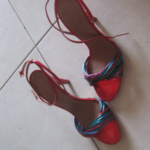 High Heel Red Zara Sandals Never Worn is being swapped online for free