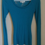 Derek Heart Flower Lace Back XS Nylon Teal Blue Top Long Sleeve Shirt Tunic is being swapped online for free