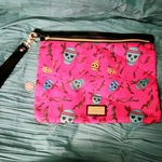 Betsey Johnson clutch is being swapped online for free