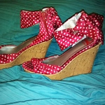 Fergalicious Polka-dot Wedges is being swapped online for free