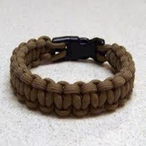 Paracord bracelets is being swapped online for free