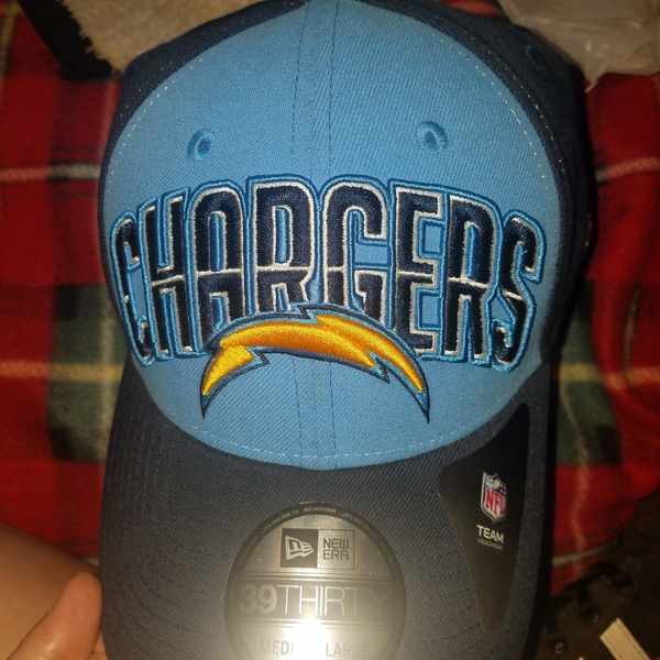 Brand new chargers hat  is being swapped online for free
