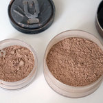 2 loose powder  is being swapped online for free