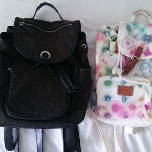 Liz Claiborne & Victorias Secret Mini Backpack is being swapped online for free