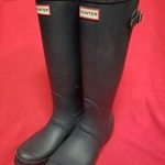 Navy Hunter brand Rain Boots. Size 7 ~ like new! is being swapped online for free