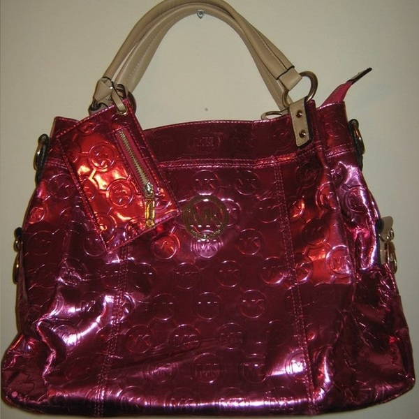 Beautiful Authentic Michael Kors Purse !! is being swapped online for free