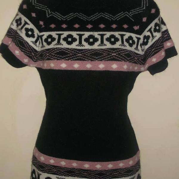 Cute Tunique or long short sleeve sweater  is being swapped online for free