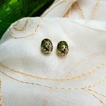 Antique/vintage earrings is being swapped online for free