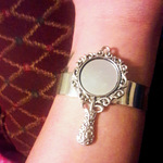 Snow white inspired mirror charm adjustable bracelet is being swapped online for free