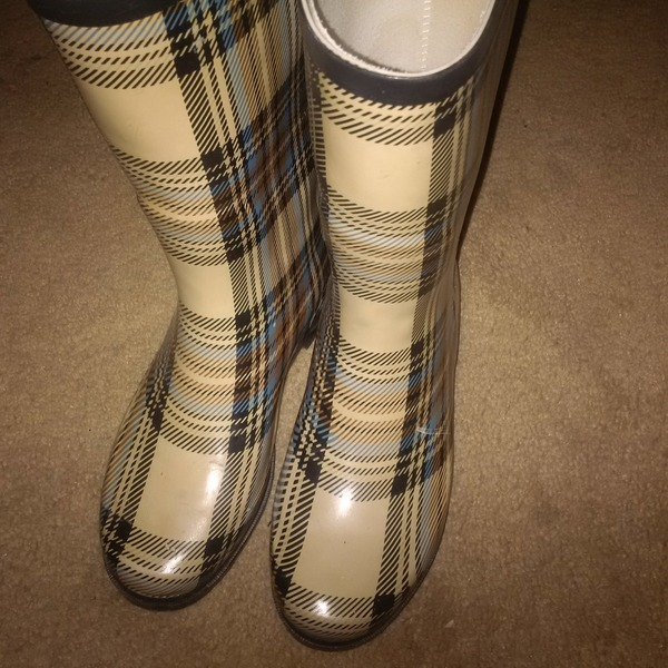 plaid rain boots  is being swapped online for free