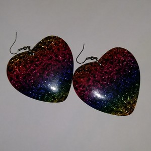 Close to my heart earrings is being swapped online for free