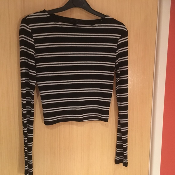 Black and white stripy long sleeved crop top size 8 is being swapped online for free