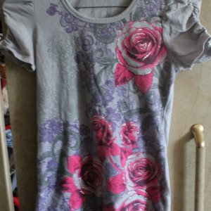 100% Cotton Floral Shirt XXS Adult [Girls L Size 14] is being swapped online for free