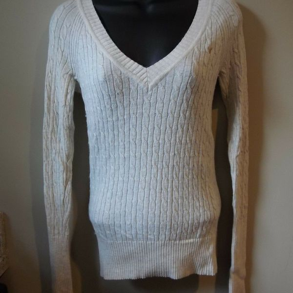 American Eagle Cable Knit Sweater S Angora Rabbit Hair is being swapped online for free