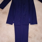 Georgous Navy 2 piece Pants Suite.  is being swapped online for free