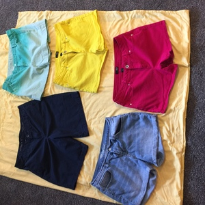 Stylish shorts-size 12 in excellent condition is being swapped online for free