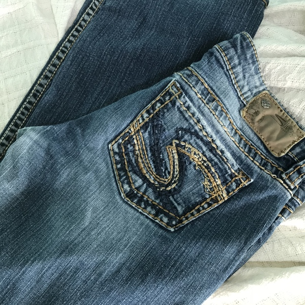 "Silver Jeans Co LOLA 17"" Bootcut 28/32 is being swapped online for free"