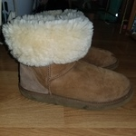 Classic Short Uggs  is being swapped online for free