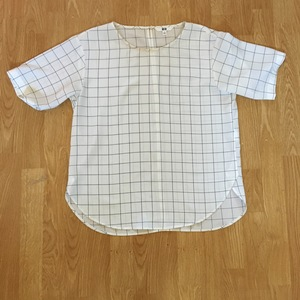 Uniqlo Grid Top is being swapped online for free
