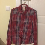 Levi's shirt in excellent condition is being swapped online for free