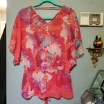V Neck Blouse Sz XL is being swapped online for free