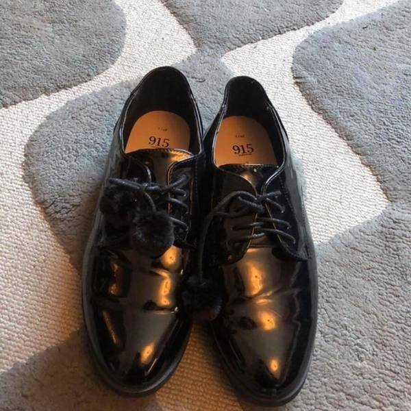 smart shinny black shoes  is being swapped online for free