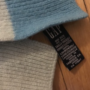 GAP Blue soft scarf, GUC, SF home is being swapped online for free