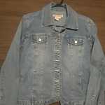 Vintage 90s Jean Jacket size L (10/12) is being swapped online for free